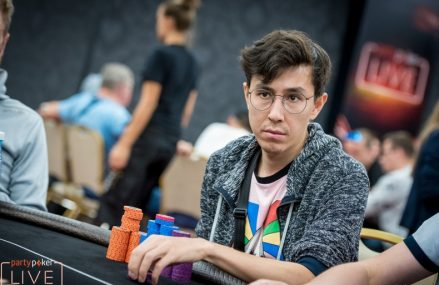 Россиянин Олег Неталиев в чиплидерах WSOPE Monster Stack